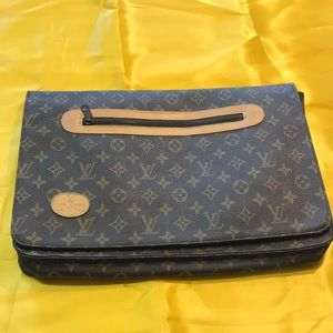 Louis Vuitton Pocket Book/ Laptop Book